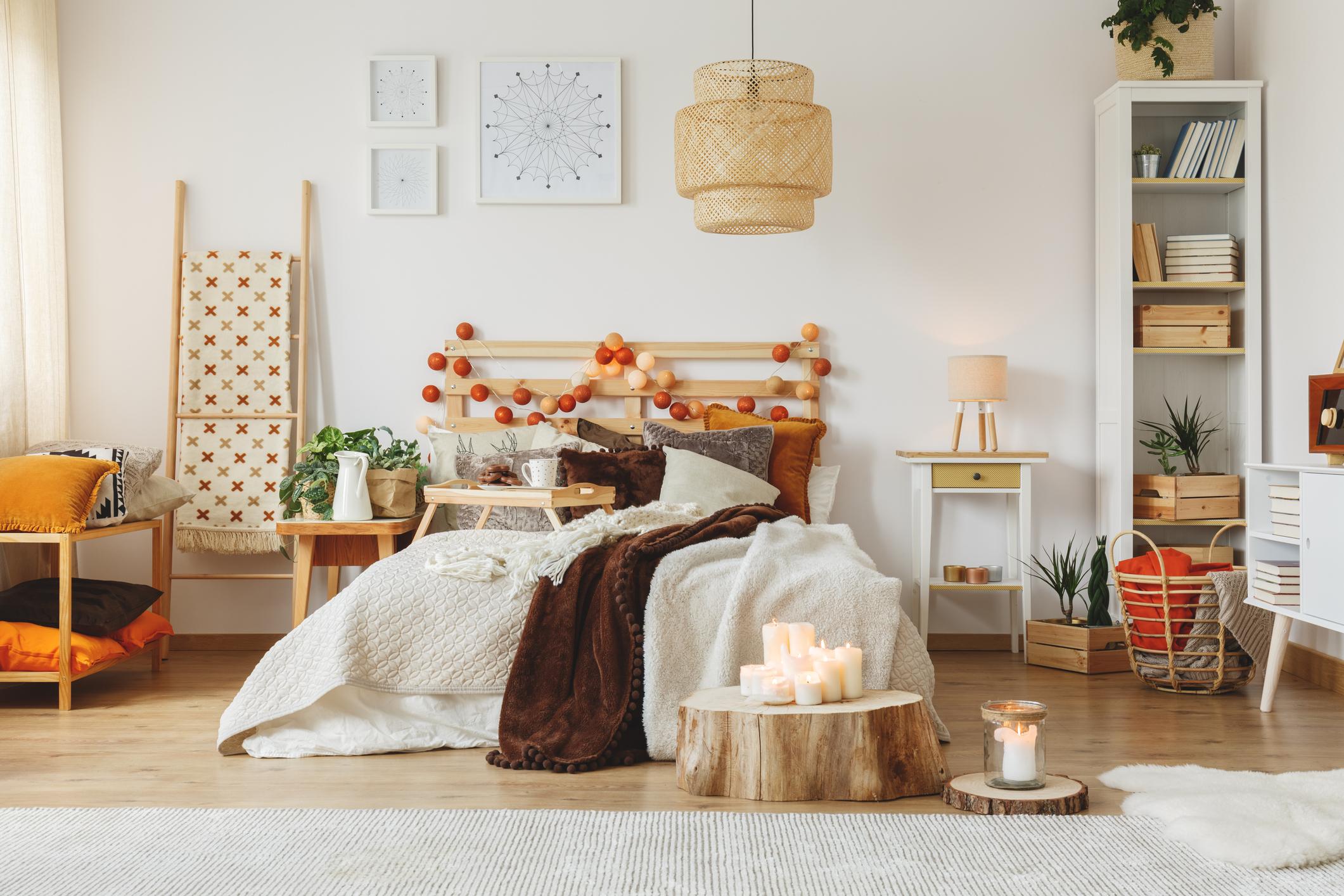 11 Cara Menghias Kamar Tidur Sempit agar Terlihat Luas dan Nyaman