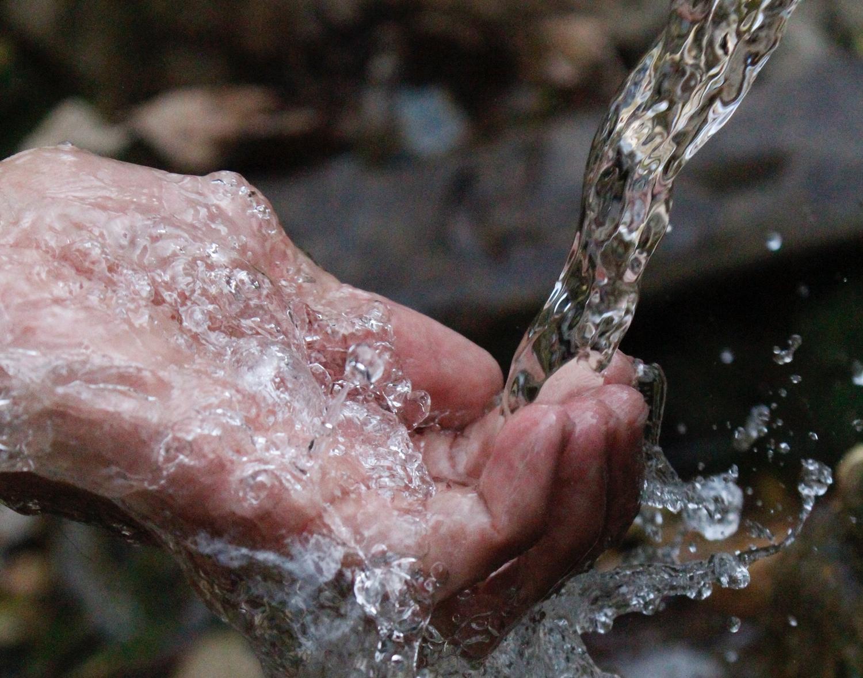 Dari Sumur hingga Kolam, Begini Cara Menjernihkan Air yang Mudah