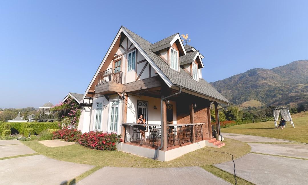 Membangun Fasad Rumah di Kawasan Tropis? Perhatikan Hal Ini!
