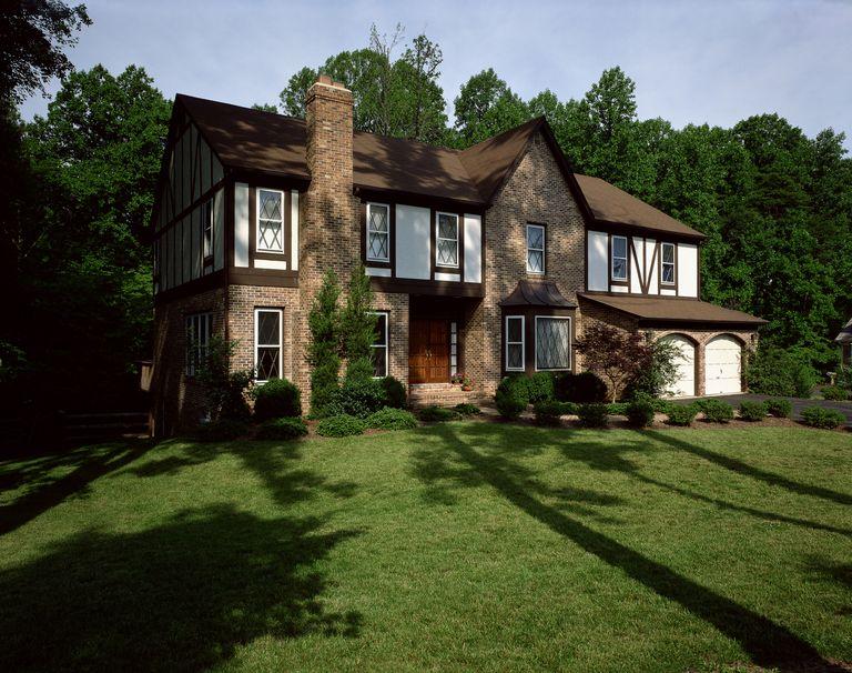 Mari Berkenalan dengan Desain Rumah Kolonial yang Artistik!