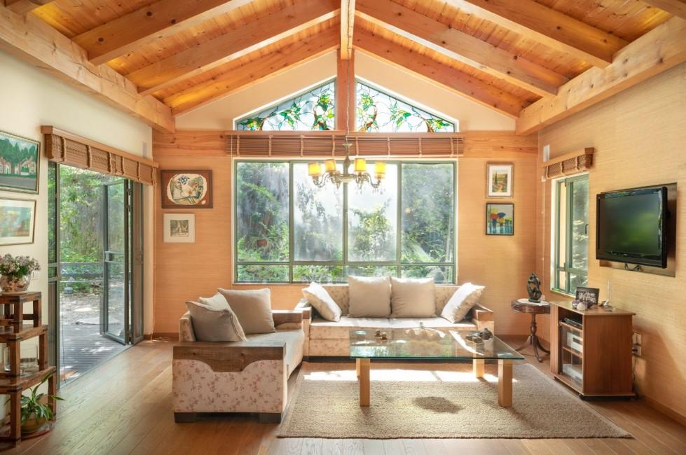 8 Ide Interior Rumah Kayu, Sederhana dan Hangat