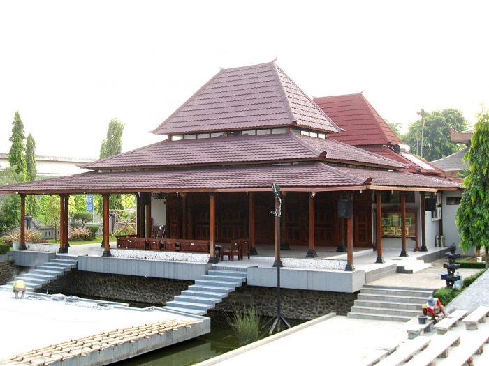 Contoh Desain Rumah Tradisional Jawa Modern, Menarik Buat Ditiru Nih!