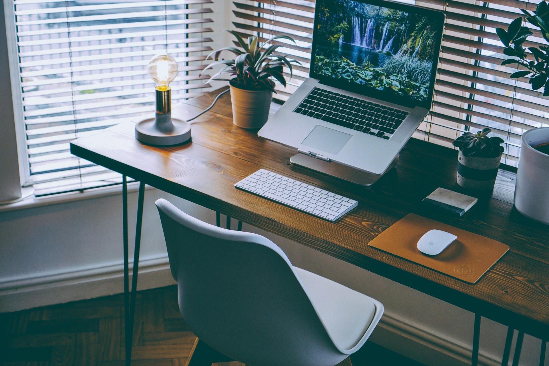 Tips Tata Ruang Kerja di Rumah, Bikin WFH Lebih Nyaman