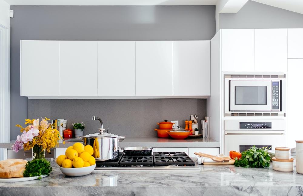 6 Desain Kitchen Set yang akan Populer 2021. Siap Renovasi Dapur?