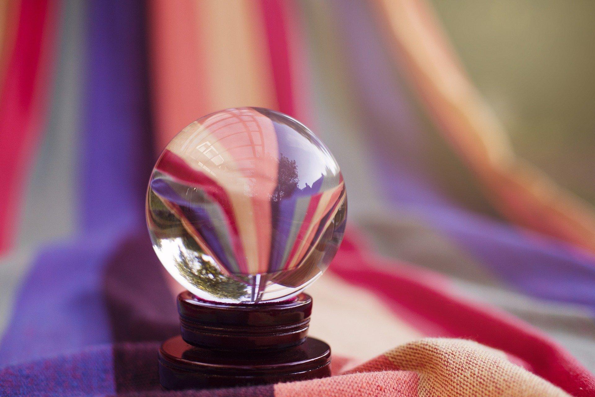 【予約困難?直接鑑定は可能?】水晶玉子に占ってもらう3つの方法