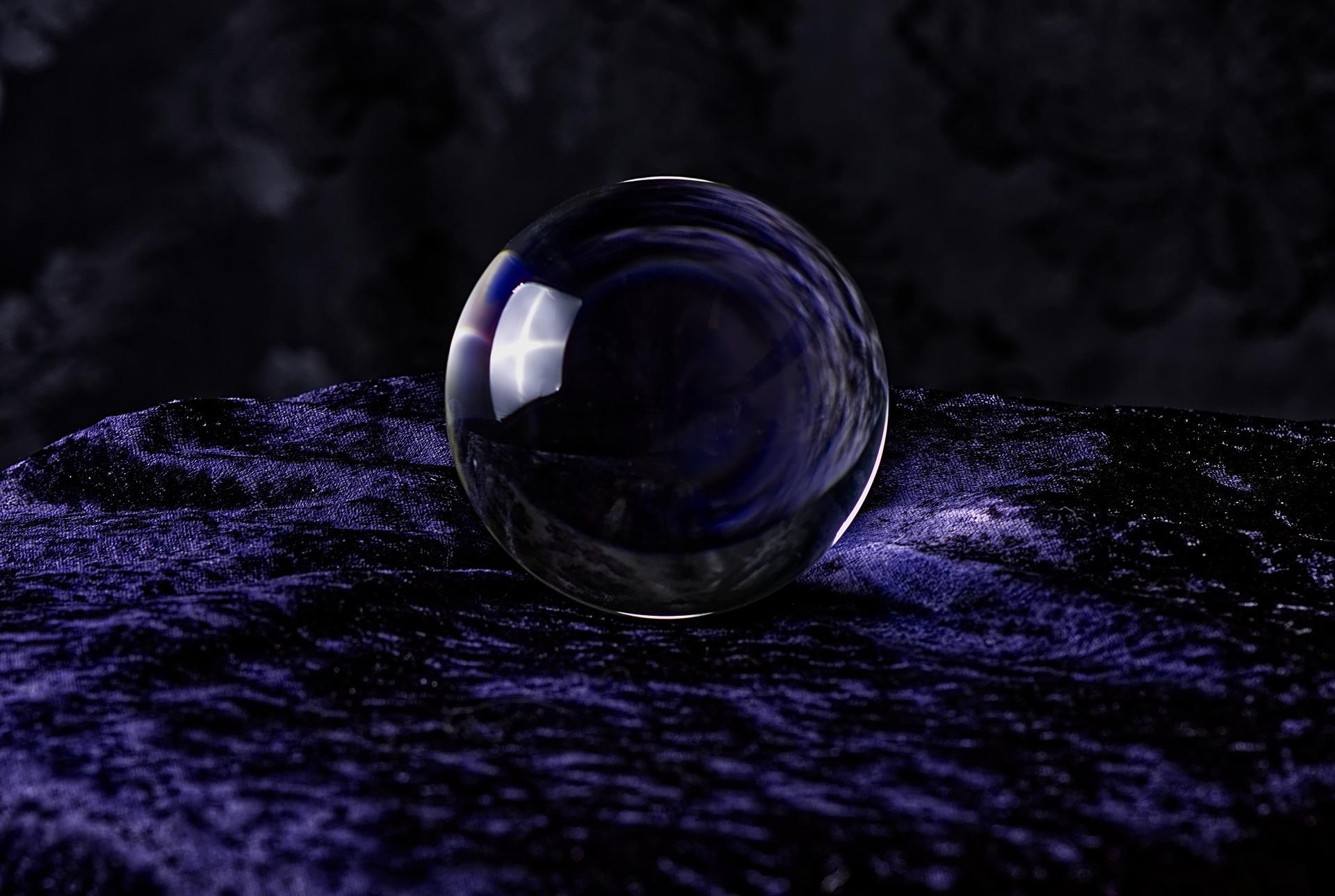 【本当に当たる?】水晶玉子の実力を徹底暴露「口コミは?」「対面鑑定は?」