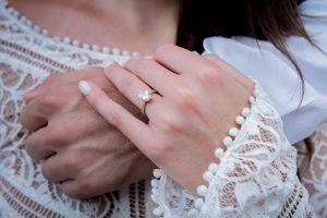 結婚占い│結婚相手の顔や名前、職業までもまさかの的中!?水晶玉子の凄スギル実力