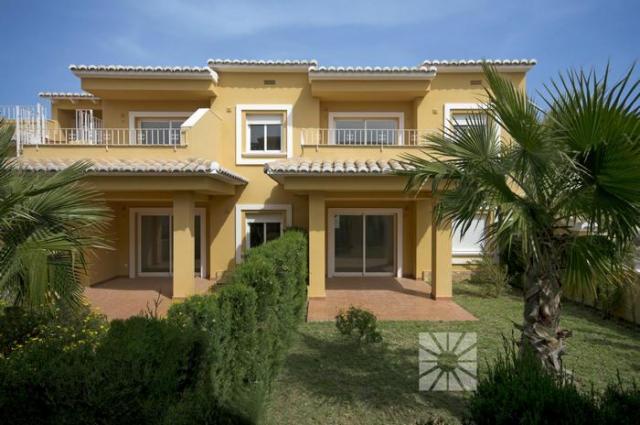 2 bedroom apartment For Sale in Cumbre Del Sol - Main Image