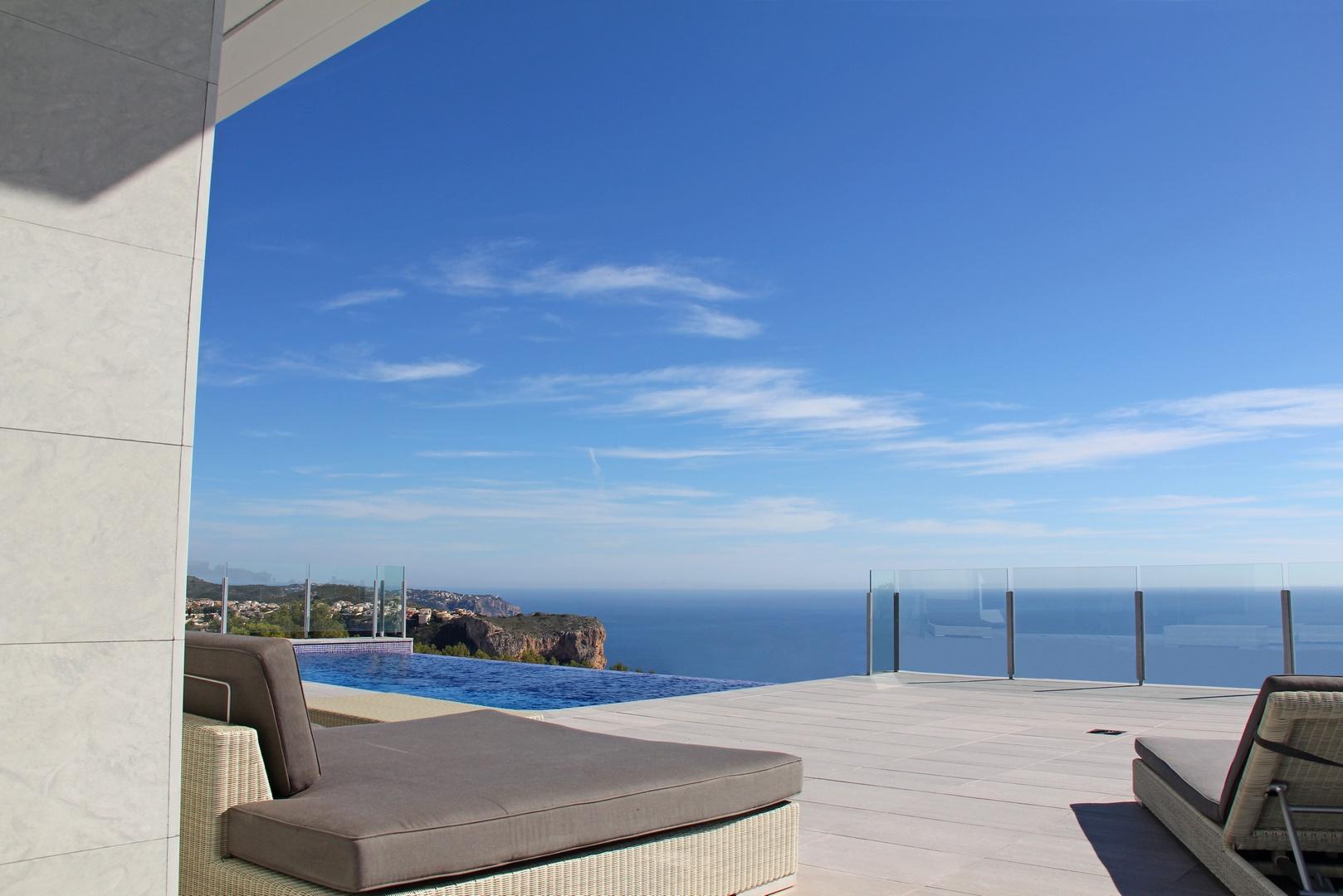 3 bedroom villa For Sale in Cumbre Del Sol - photograph 3