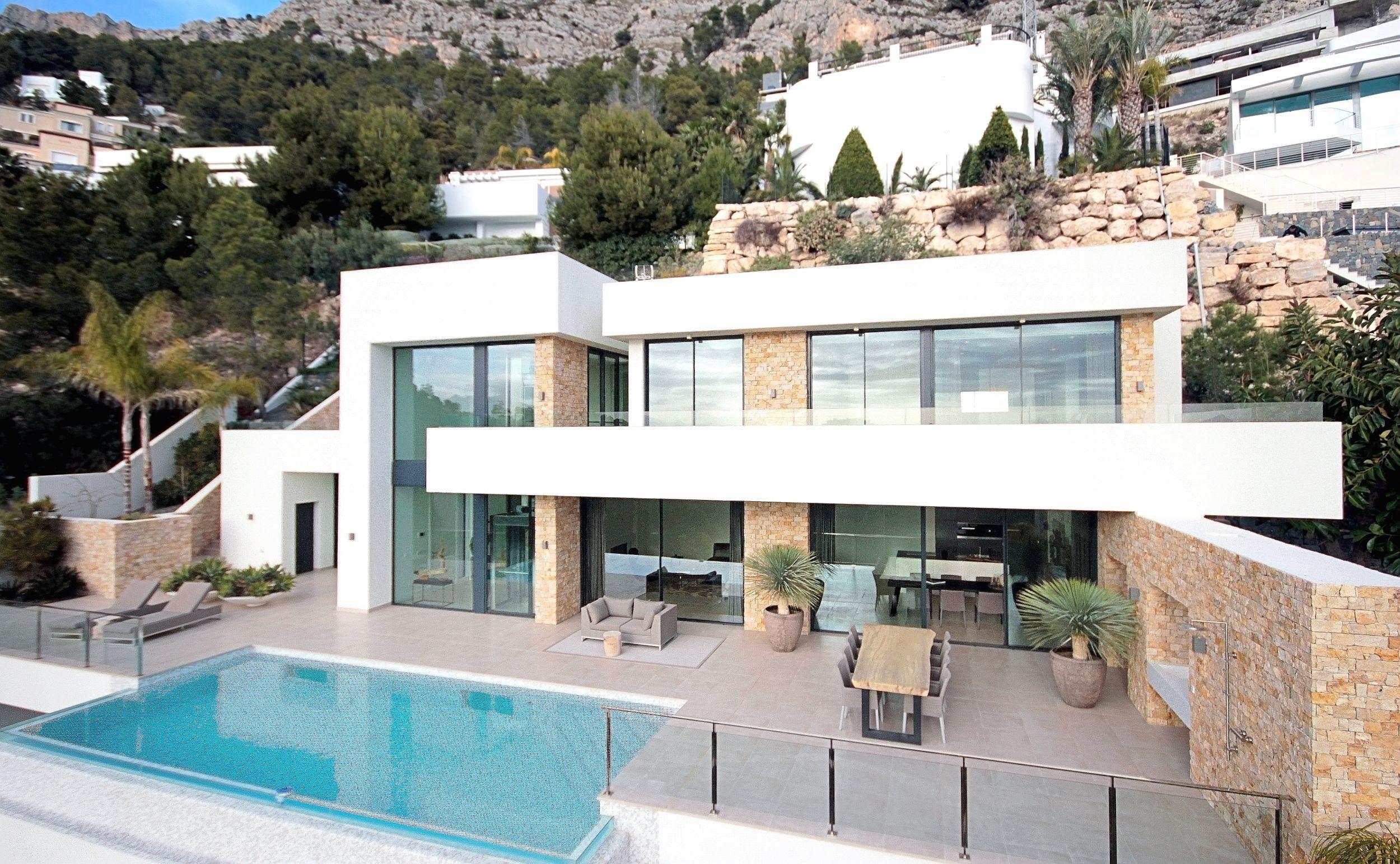 4 bedroom villa For Sale in Altea - photograph 9