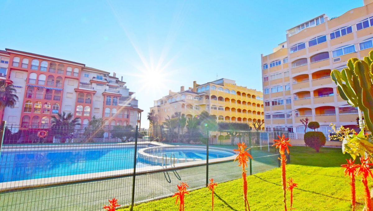 2 bedroom apartment For Sale in La Mata - Main Image