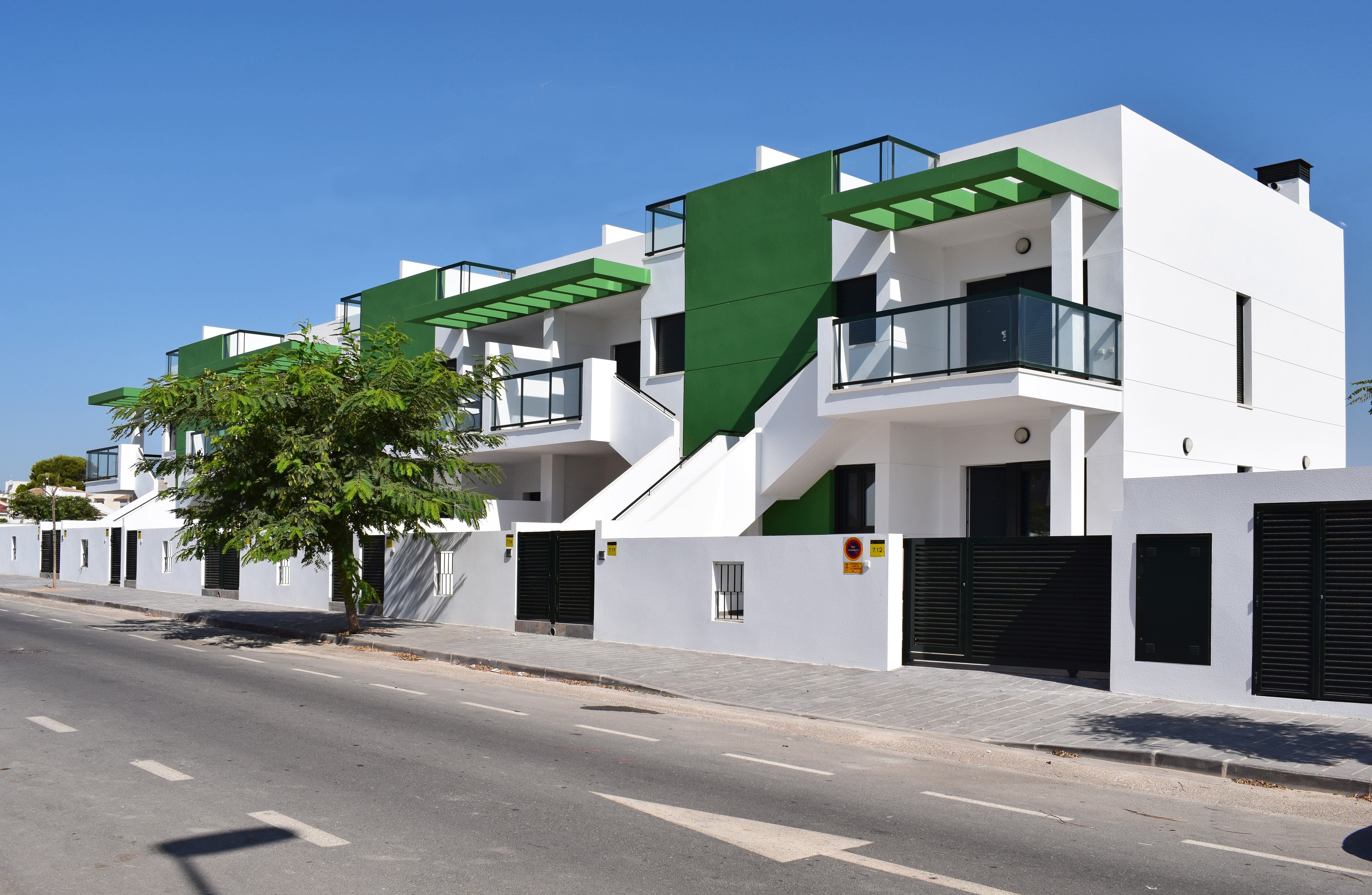 3 bedroom apartment For Sale in Mil Palmeras - photograph 2