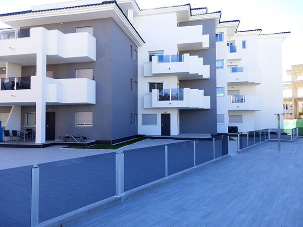 1 bedroom apartment For Sale in La Zenia - photograph 3