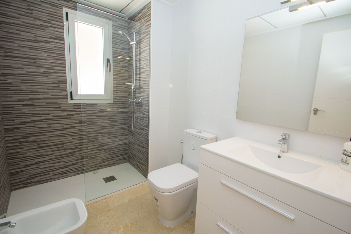 1 bedroom apartment For Sale in La Zenia - photograph 11