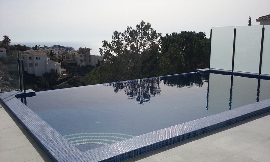 4 bedroom villa For Sale in Cumbre Del Sol - photograph 2