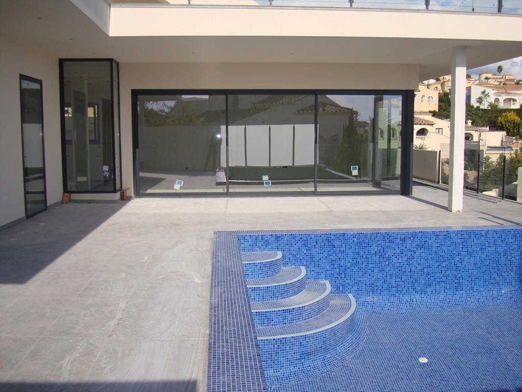 4 bedroom villa For Sale in Cumbre Del Sol - photograph 4