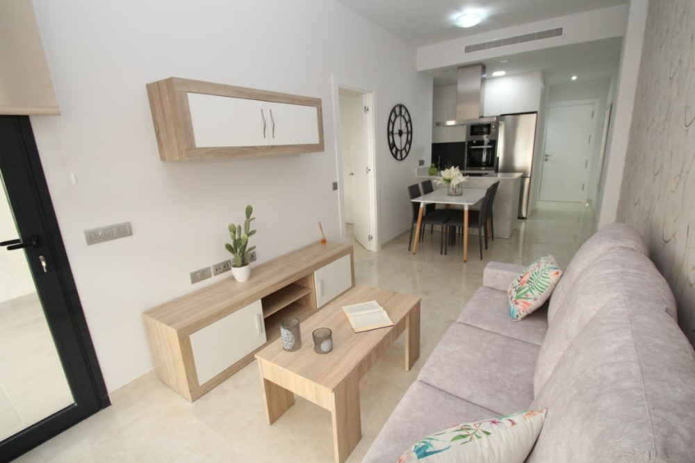 2 bedroom apartment For Sale in Torrevieja - photograph 4