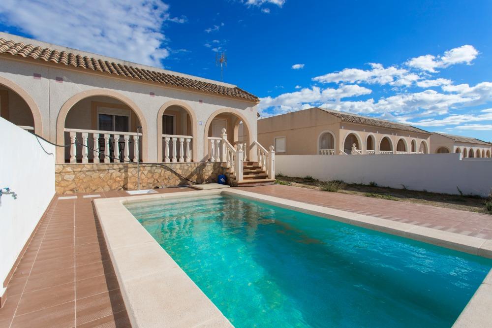 2 bedroom villa For Sale in Balsicas - Main Image