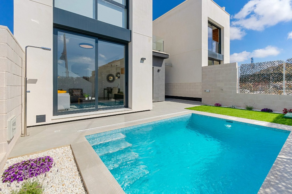 3 bedroom villa For Sale in Orihuela Costa - photograph 8