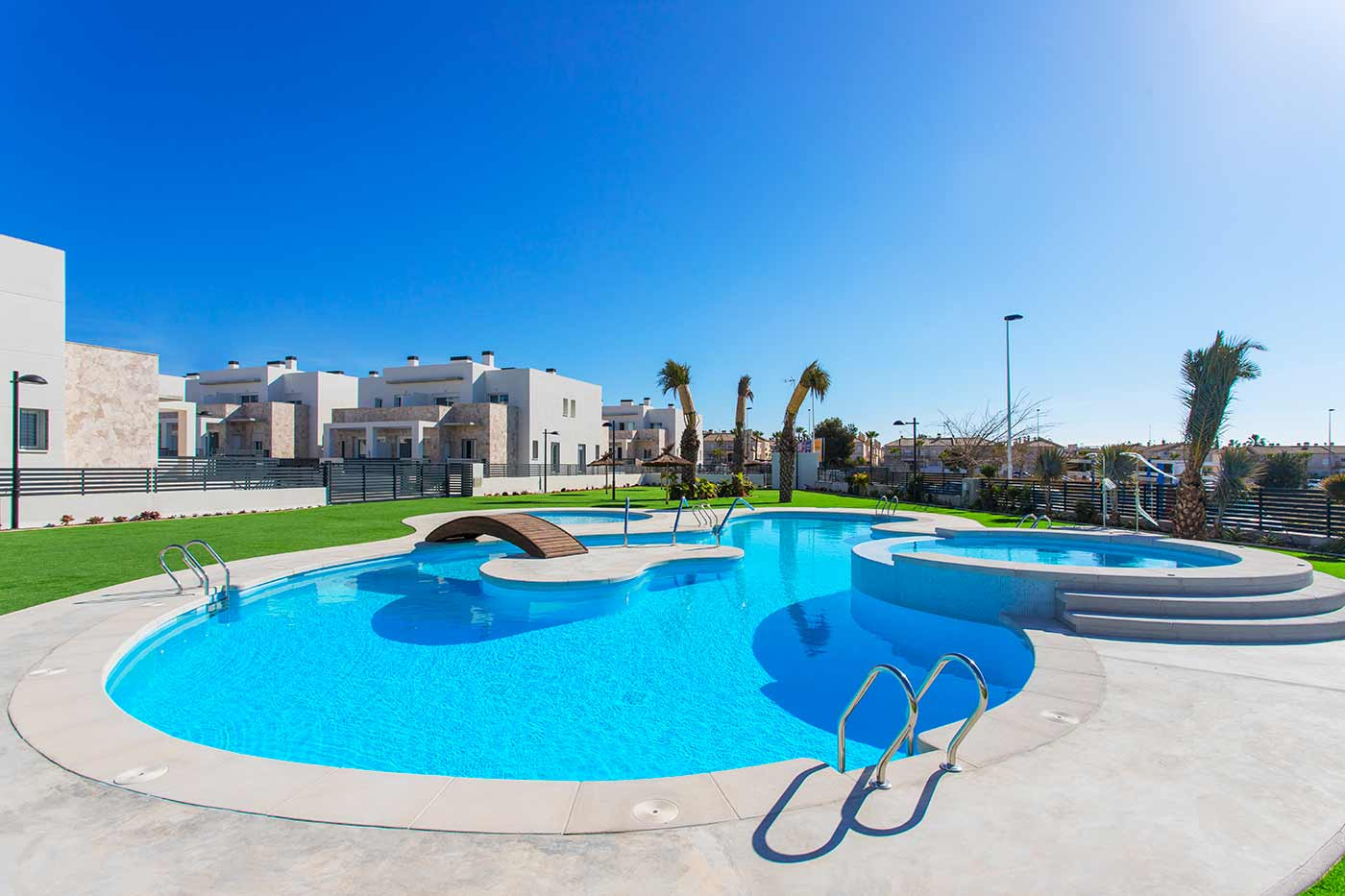 2 bedroom apartment For Sale in Torrevieja - Main Image