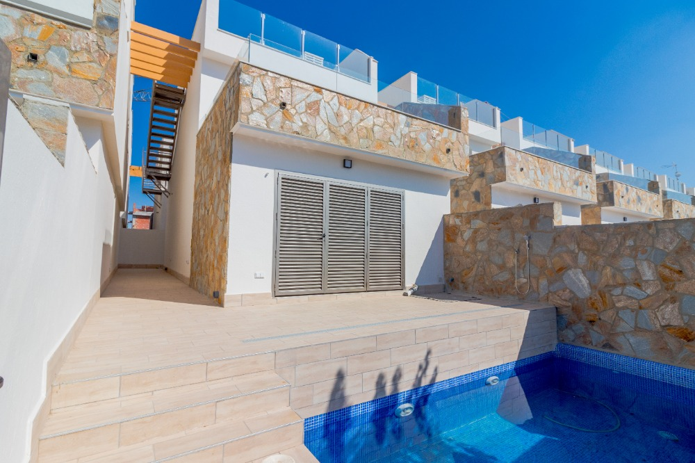 3 bedroom villa For Sale in Los Alcazares - Main Image