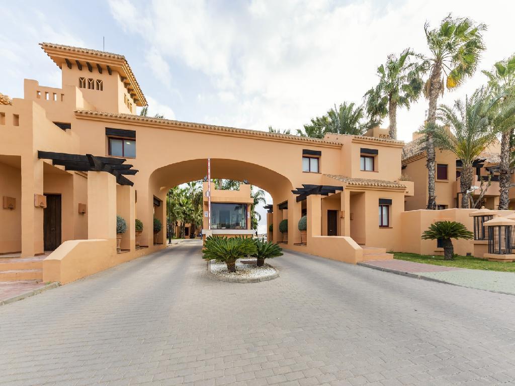 1 bedroom apartment For Sale in Los Alcazares - Main Image