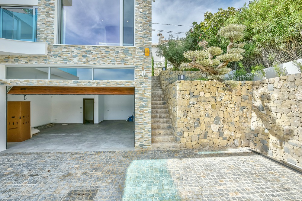 5 bedroom villa For Sale in Calpe - photograph 30