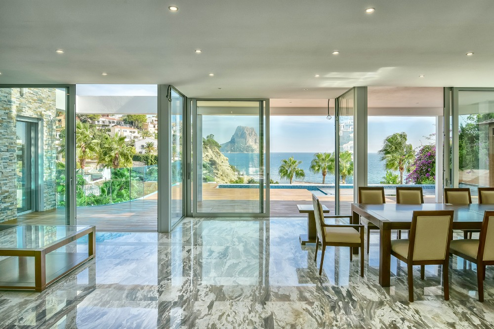 5 bedroom villa For Sale in Calpe - photograph 3