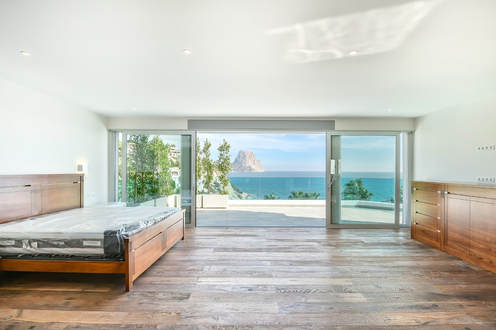 5 bedroom villa For Sale in Calpe - photograph 9