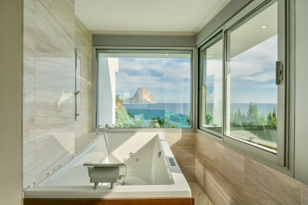 5 bedroom villa For Sale in Calpe - photograph 11