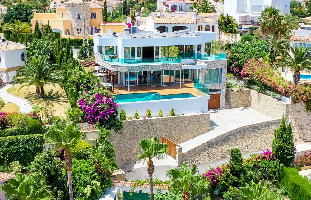 5 bedroom villa For Sale in Calpe - Main Image