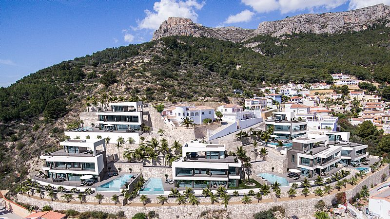 5 bedroom villa For Sale in Calpe - photograph 4