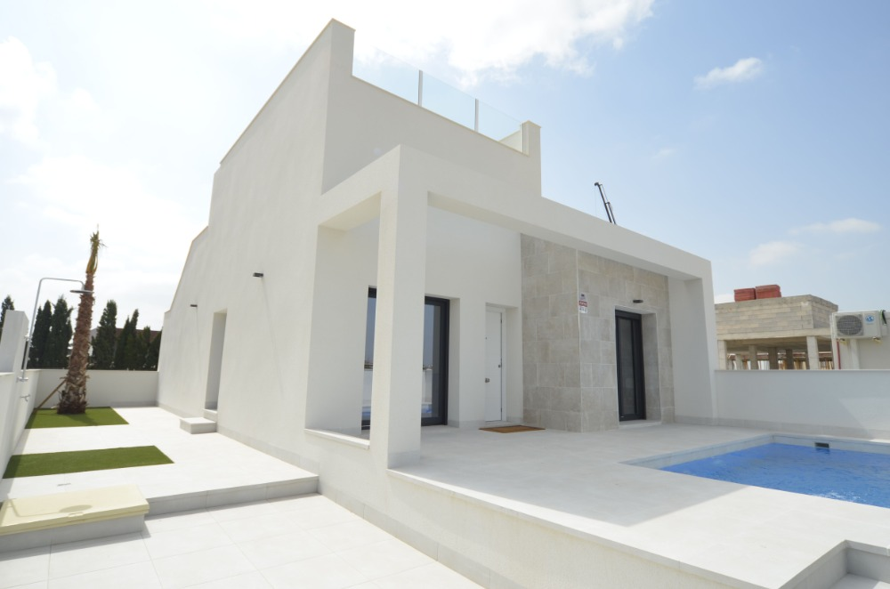 2 bedroom townhouse For Sale in Daya Nueva - Main Image