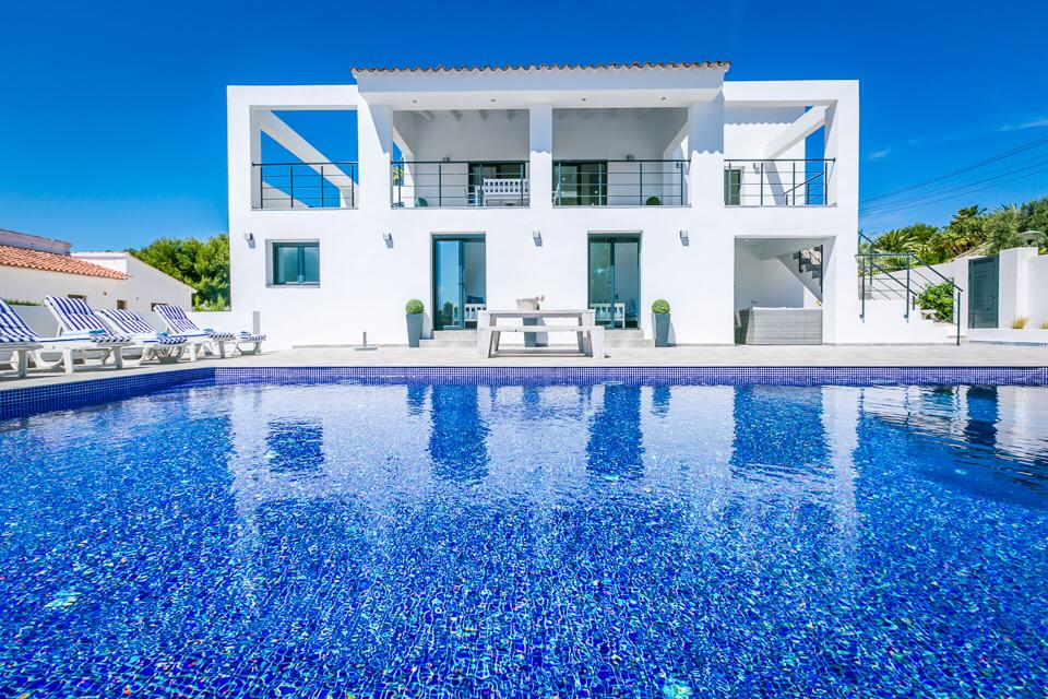 5 bedroom villa For Sale in Moraira - Main Image