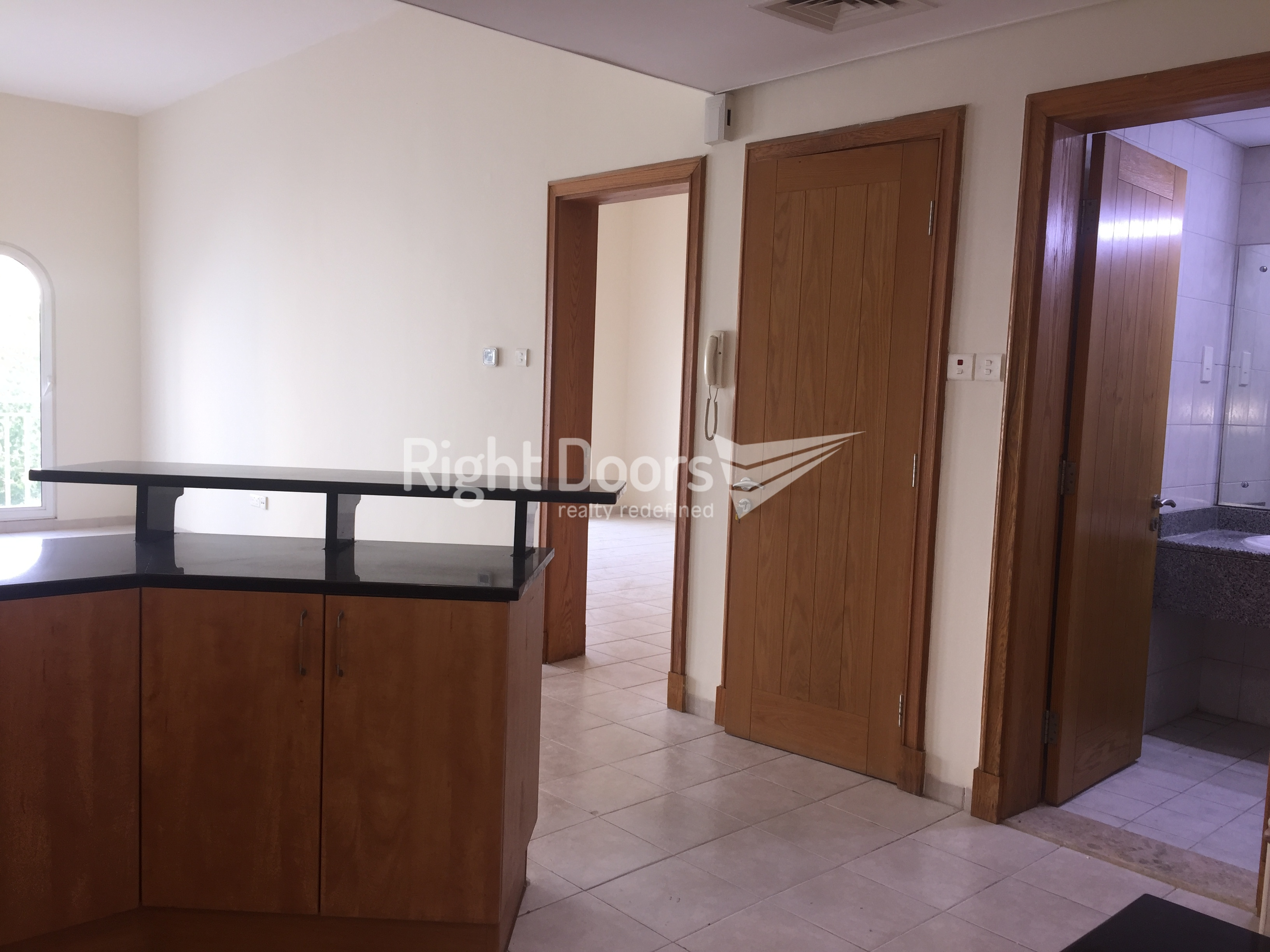 Elegant 1 Bedroom Apartment In Discovery Gardens