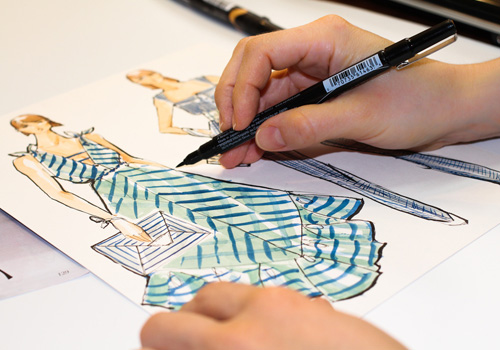 Career In Fashion Designing Fashion Technology E Commerce Wholesale Solutions For The M Smes