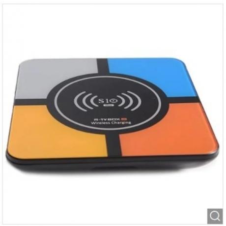 R-TV BOX S10 PLUS TV Box with Wireless Charging Voice Search - Multi US 4GB RAM 32GB ROM