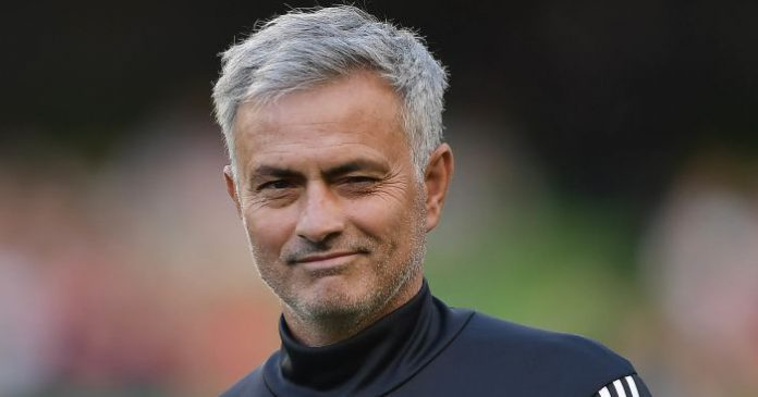 Mourinhho's contracts is set to extend with Manchester United