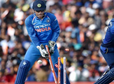 India head coach Ravi Shastri makes bold claims for MS Dhoni