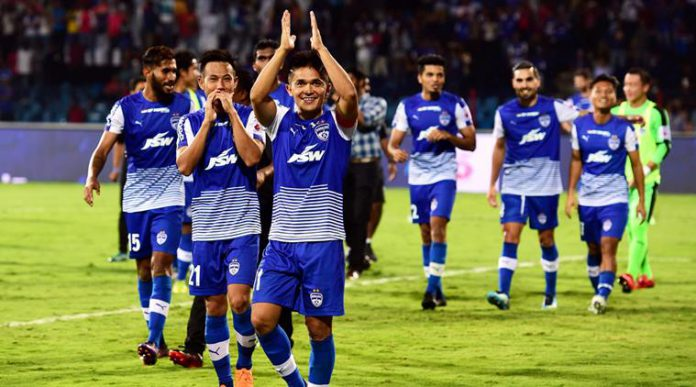 35' Bengaluru FC 1-1 Chennaiyin FC ( Sunil Chhetri, Mailson Alves ) In this article we will look into BFC vs CFC live score, ISL Final 2018 Bengaluru FC vs Chennaiyin FC and inform you regarding all the aspects of today's final including BFC vs CFC live score, where you could fine ISL Final live streaming and check the ISL score.