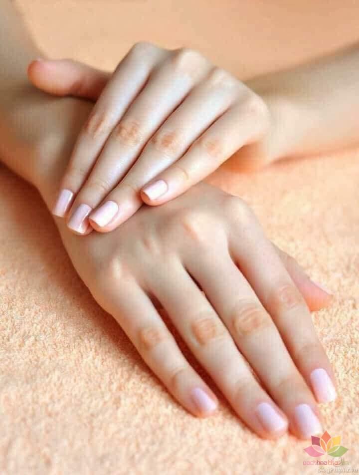 Dưỡng da tay và móng Vaseline Healthy Hands and Nails