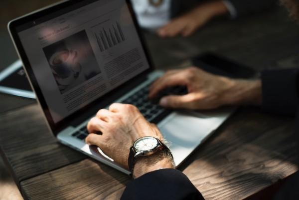 STUDILMU Career Advice - Keuntungan & Kekurangan dari Belajar Online