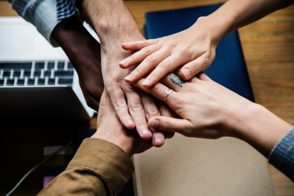 STUDILMU Career Advice - 4 Cara Membangun Kepercayaan Tim