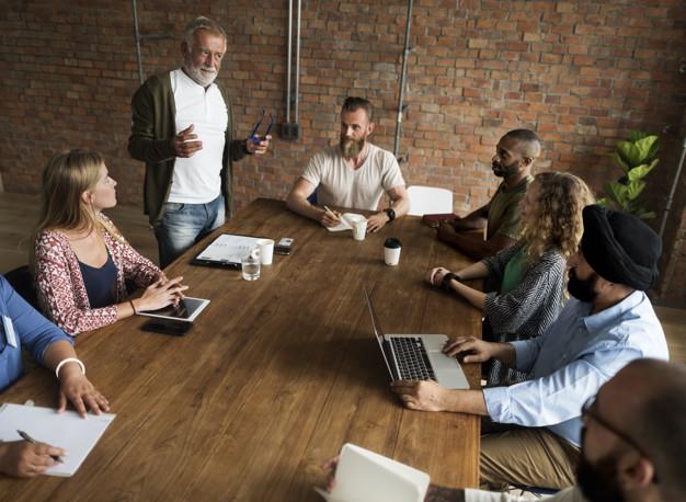 STUDILMU Career Advice - 3 Cara Menjadi Komunikator Yang Baik. Cara ke-2 Mengejutkan.