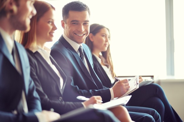 STUDILMU Career Advice - 4 Cara Super Mudah Mendapatkan Koneksi Baru di Konferensi