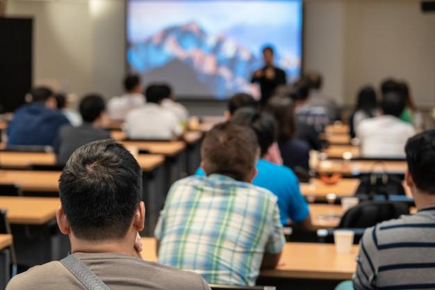 STUDILMU Career Advice - 10 Hal Penting Memaksimalkan Diri Dalam Konferensi. Tips Terakhir Terpenting.