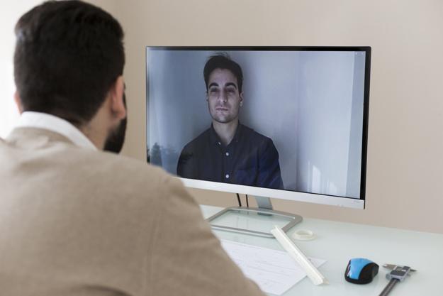STUDILMU Career Advice - 5 Tips Menghilangkan Kecanggungan Apabila Mendapat Panggilan Konferensi (Conference Call)