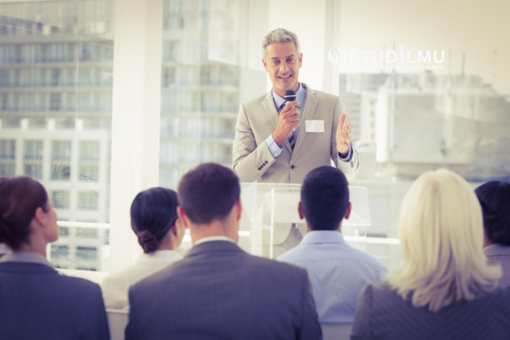 STUDILMU Career Advice - 4 Cara Berbicara di Depan Umum tanpa Rasa Takut