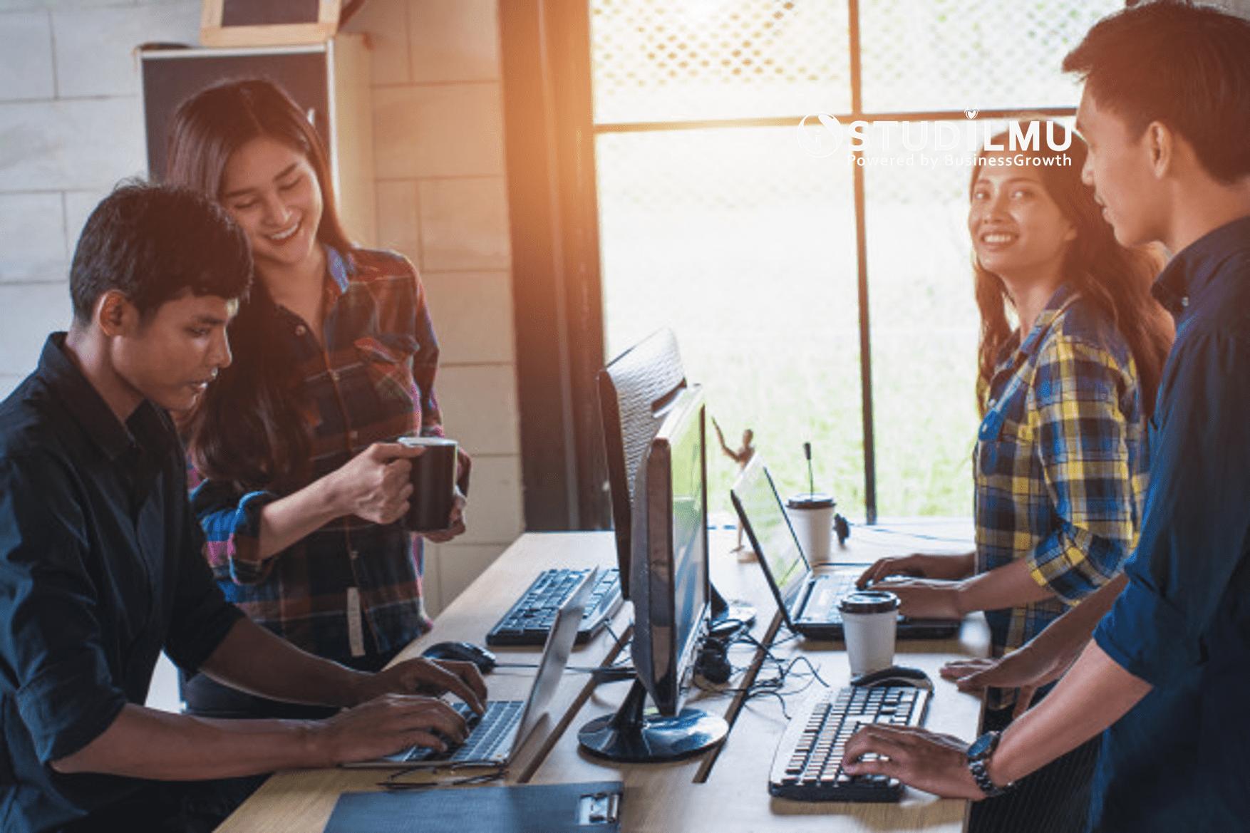 5 Cara Menghadapi Rekan Kerja yang Lebih Muda