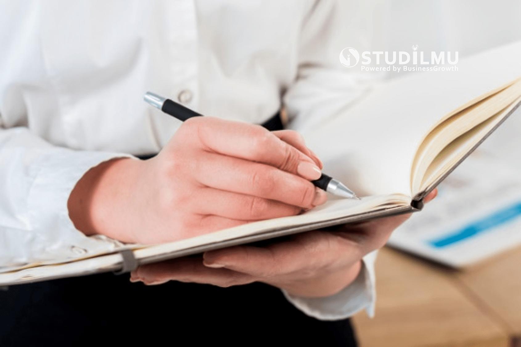 6 Manfaat Menulis Jurnal Harian